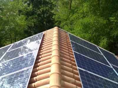 Impianto fotovoltaico casa in natura