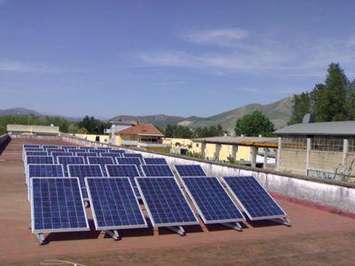 Impianto fotovoltaico tetto piano indipendente ibrido