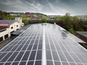 impianto e campo fotovoltaico di pannelli solari